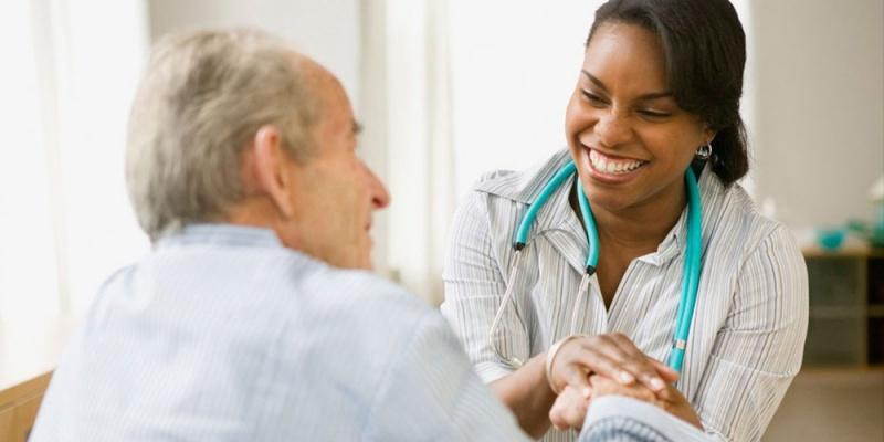 Cuidador de Idosos com Mal de Alzheimer Santana - Cuidados para Idosos com Parkinson